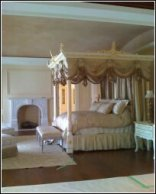Metallic soft brush ceiling with gilt detail on 4 poster bed